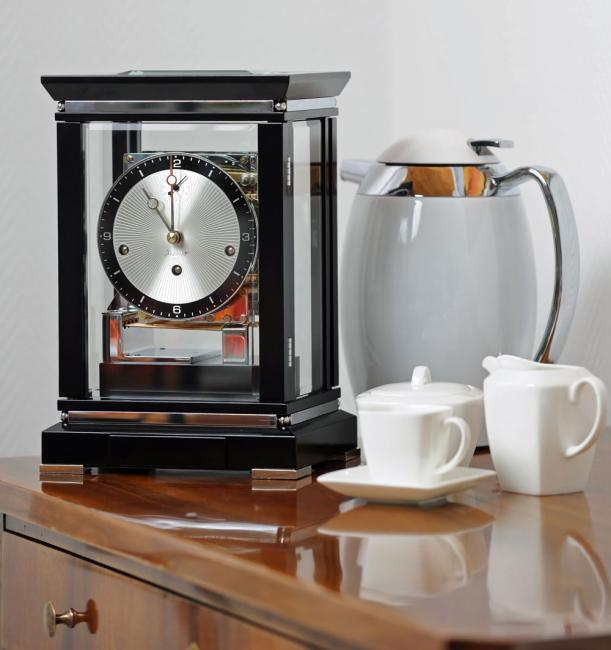 Kieninger noble mantel clock satin black finish triple chime on 8-rod gong 1267-96-02