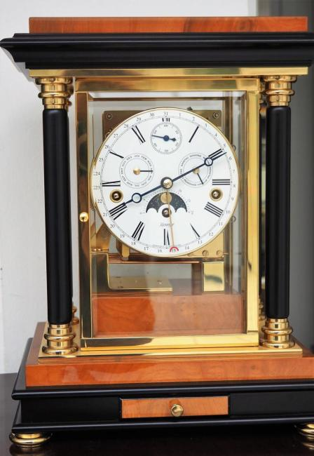 Kieninger mantel clock solid brass / walnut burl triple chime movement 1246-82-02