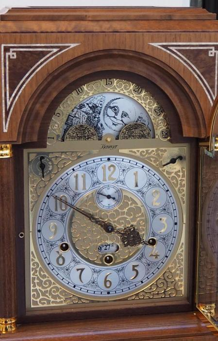 Kieninger quality walnut desk clock with Mozart bel canto on 9 bells chime 1705-22-01